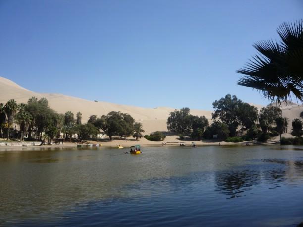 Tó a sivatag közepén