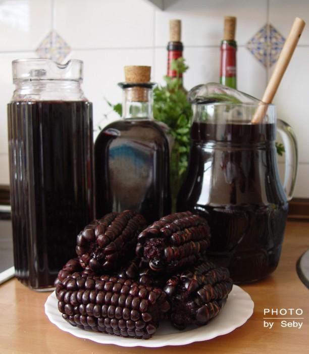 Chicha morada (forrás: http://www.culturaperuana.com.br/wp-content/uploads/2011/08/chicha20morada2012.jpg)